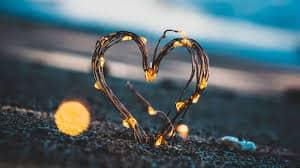 indir - Beyaz Mumla Yapılan Aşk Büyüsü